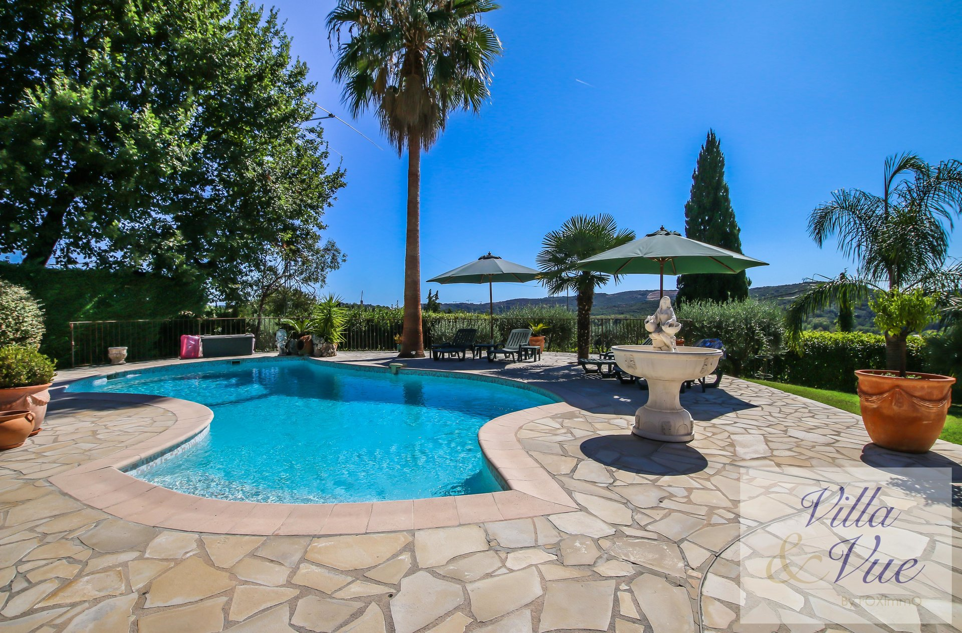 Mas provencal to sell, quiet area, swimming pool