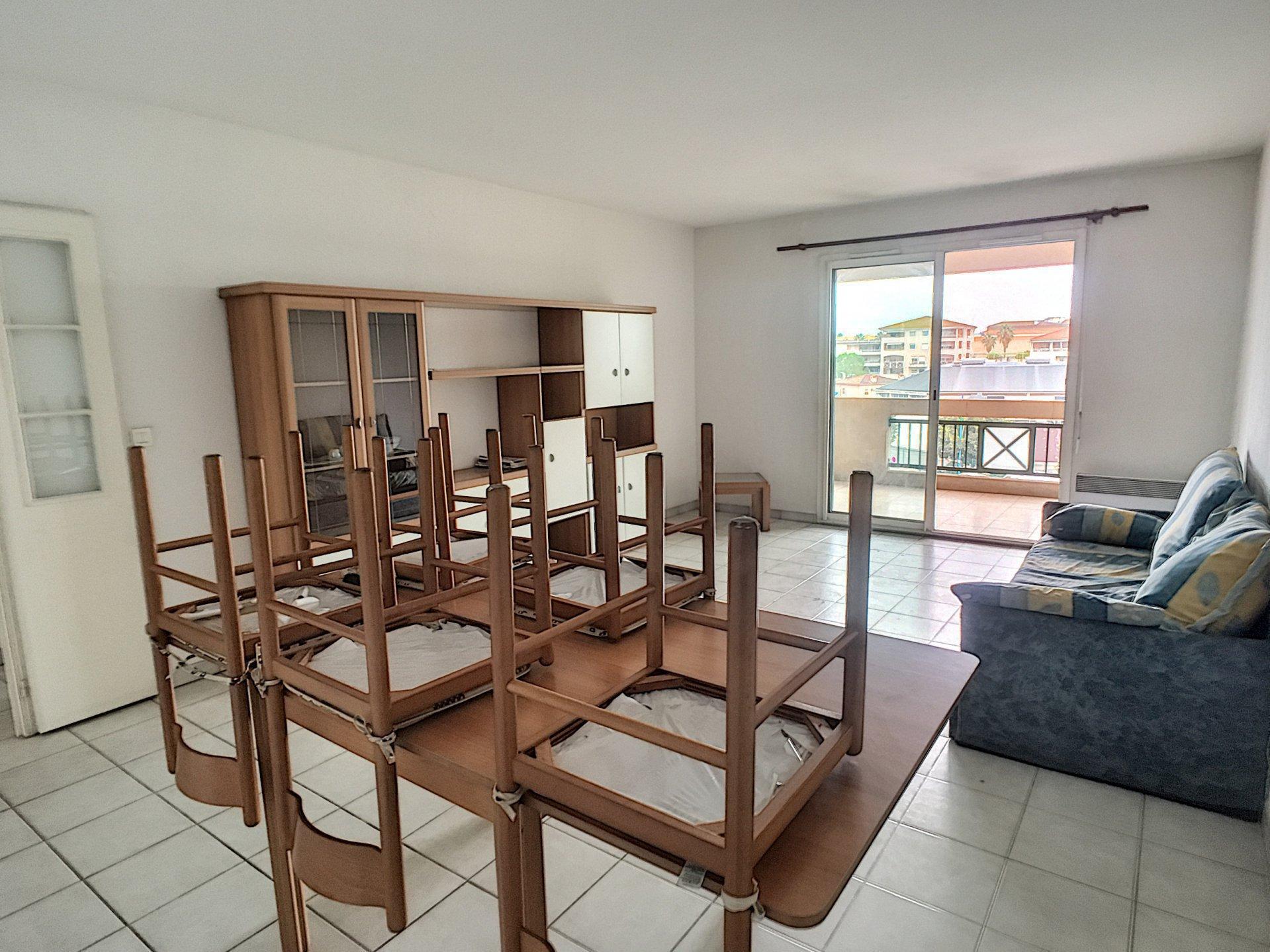 2P 53m² dernier étage terrasse 12m² - Résidence avec piscine