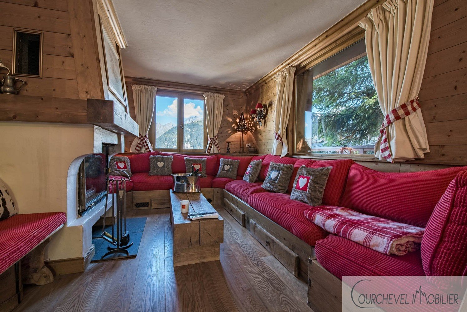 EXCEPTIONAL CHALET - COURCHEVEL 1850