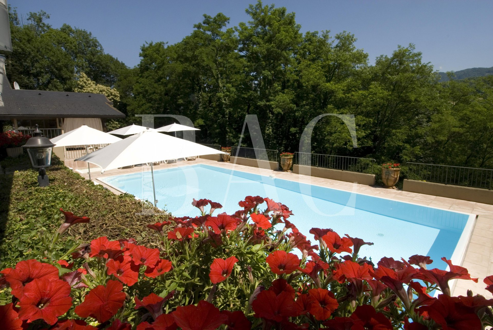 Wonderful property between Chambéry and Albertville with helicopter track