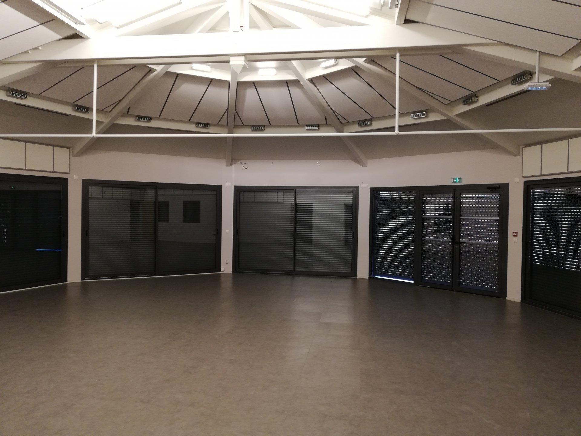 Saint Galmier  à louer  surface de bureau 108 m²