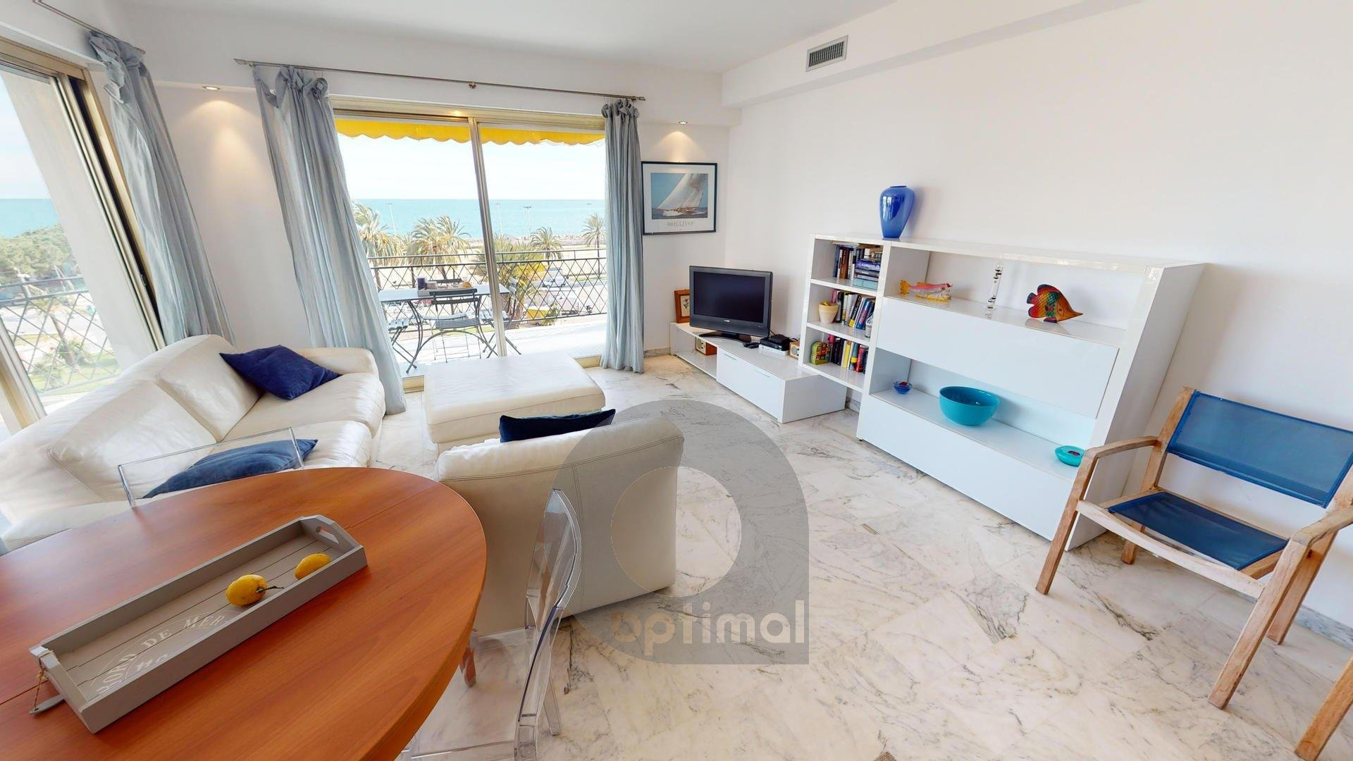 Beautiful 3 rooms apartment facing sea with big terrace
