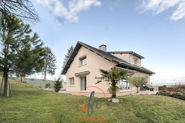 Maison 210m², 5 chambres. 10minA43, 25 min Lyon