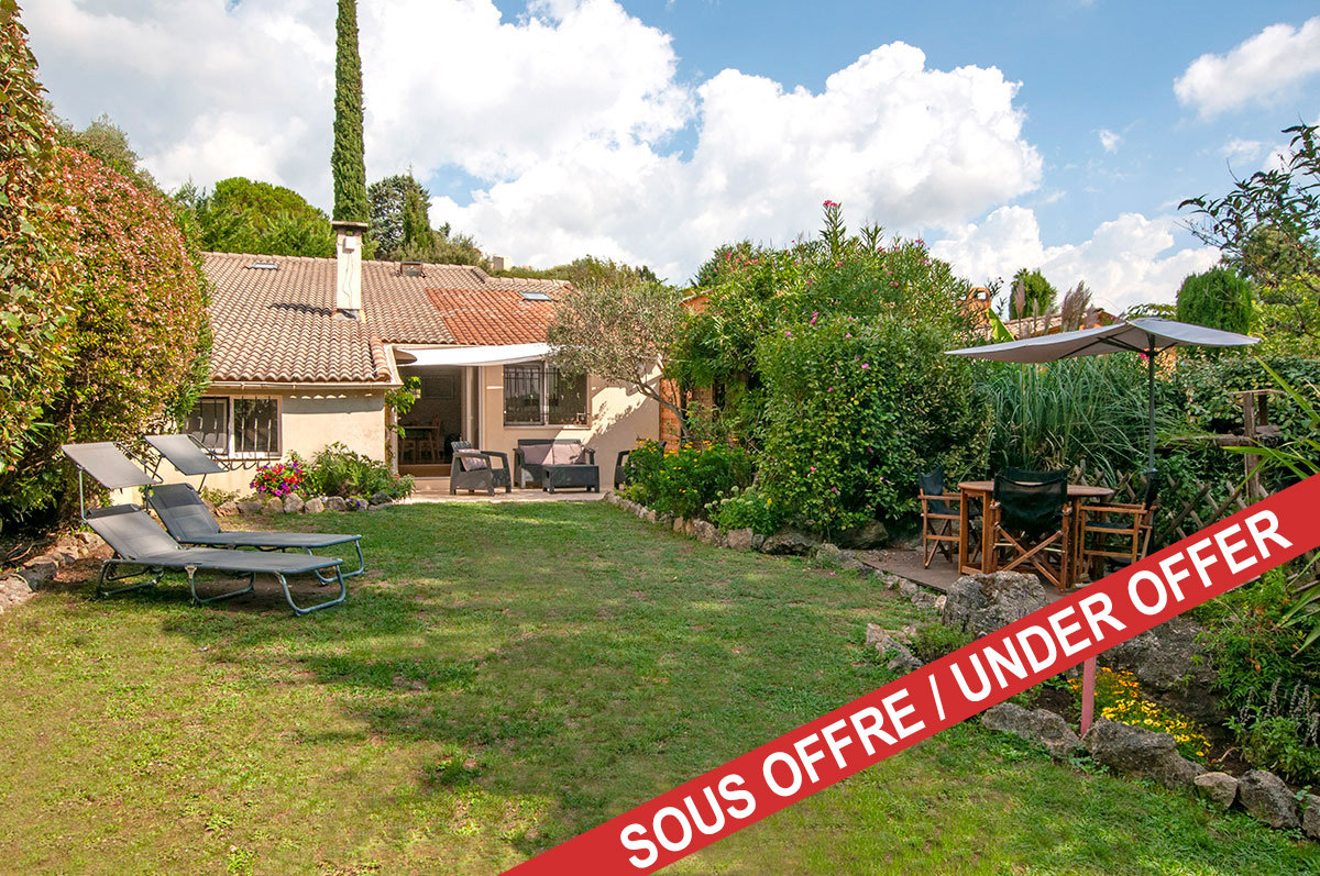 Pristine 3 bedroom family home in a quiet domaine