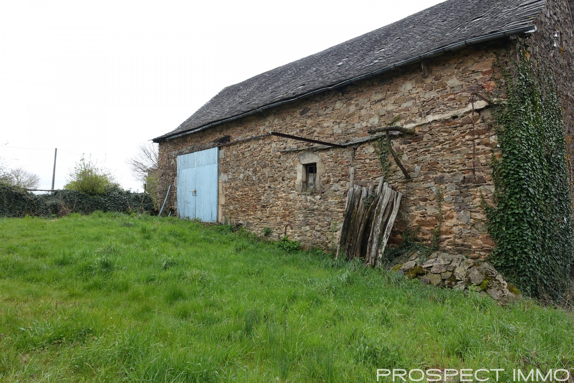 Sale Barn - Belcastel