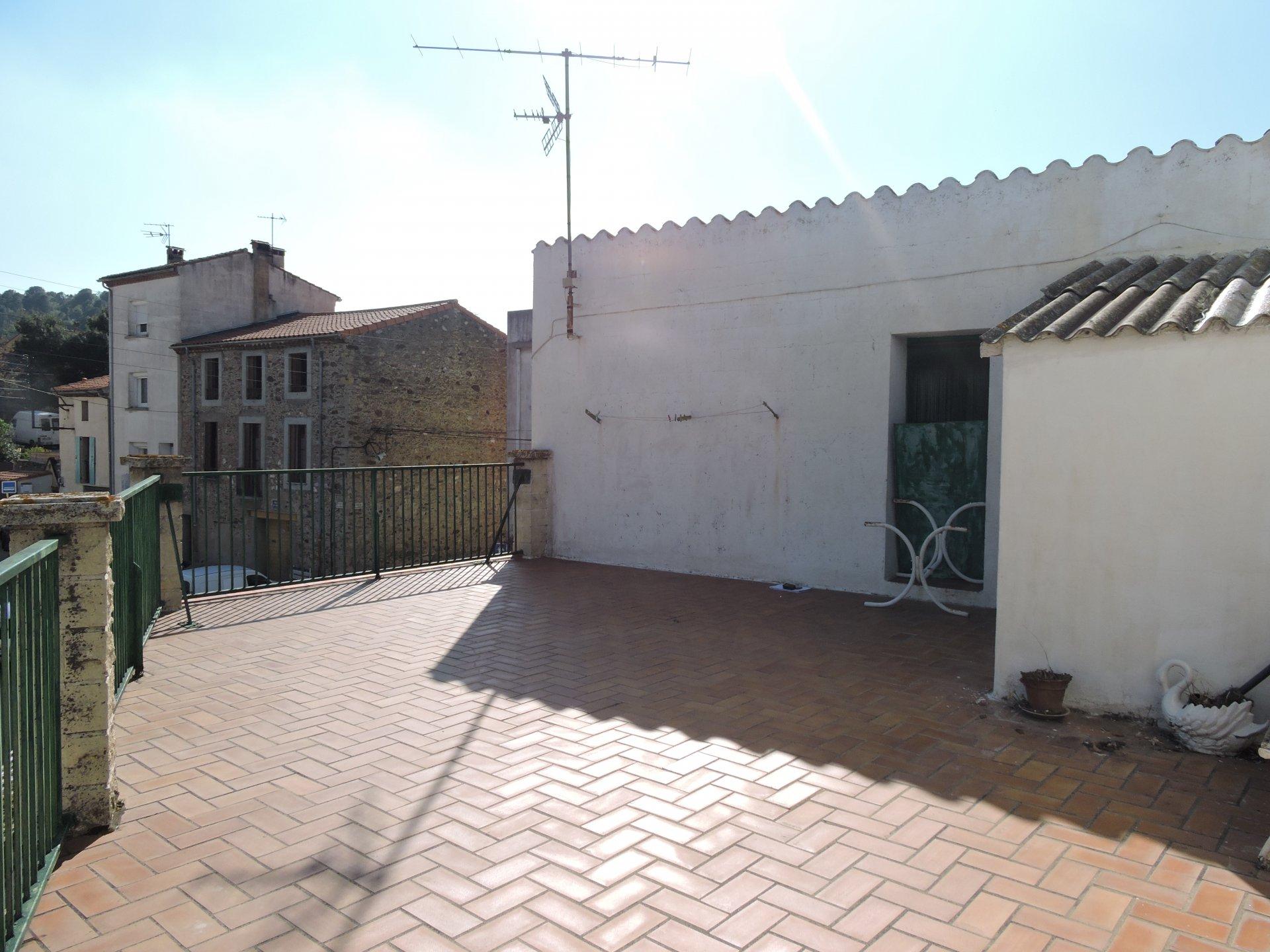 LATOUR DE FRANCE Village Catalan Agréable maison de village 100 m2 Habitable  très lumineuse