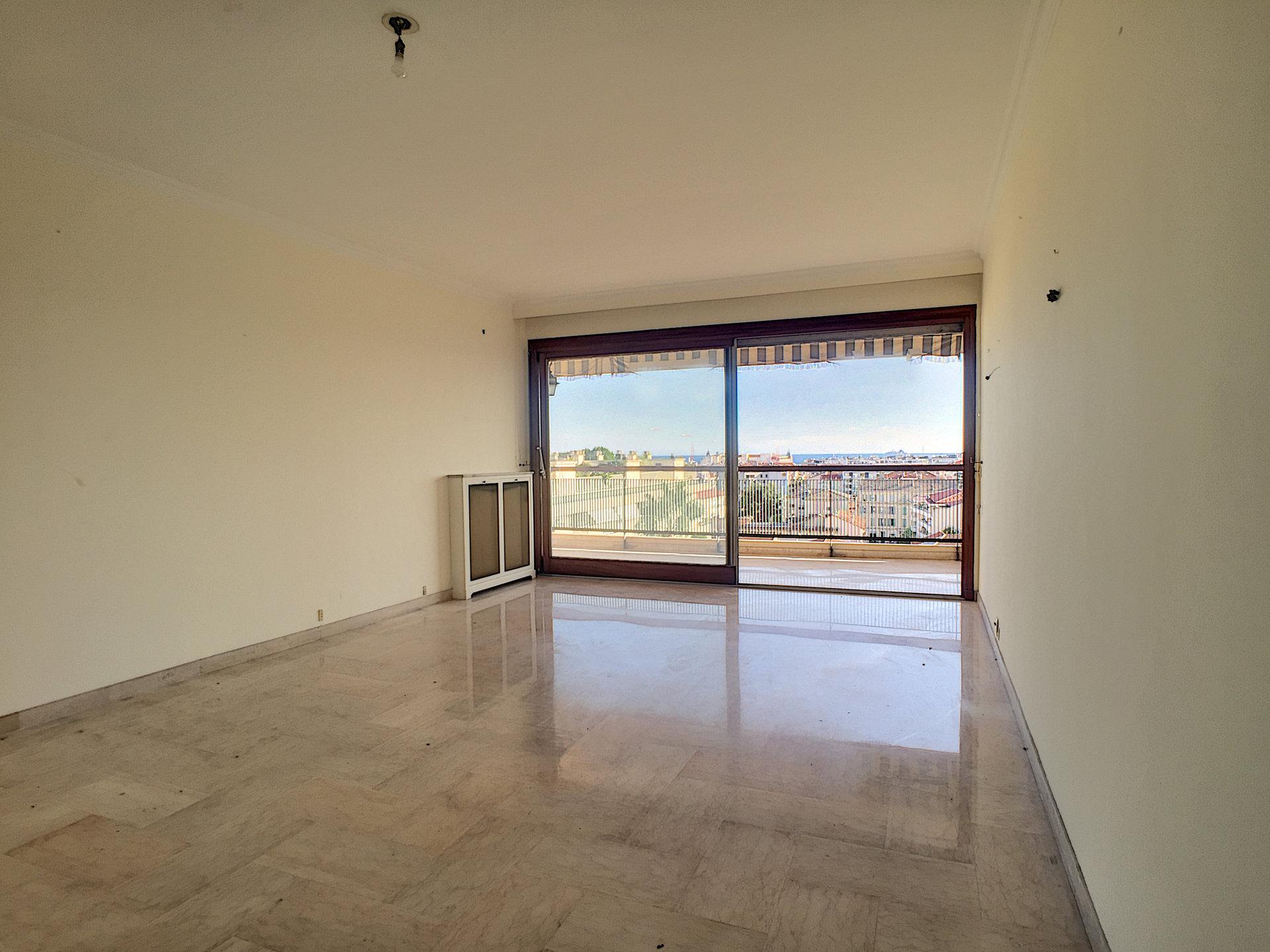 A 2 pas de la Croisette - 3P 84 m² avec terrasse et vue mer!