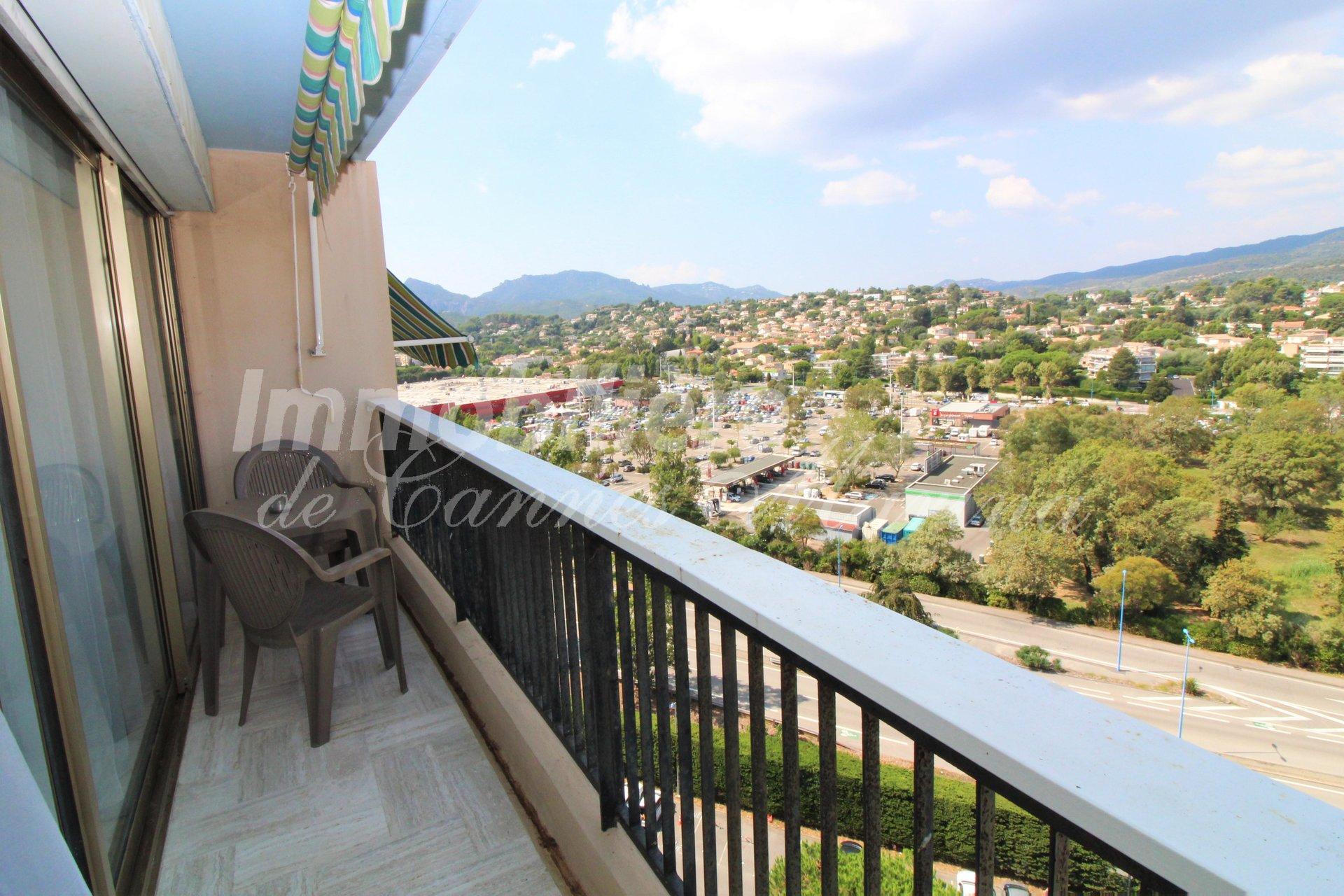 Vue panoramique sur les collines de Mandelieu