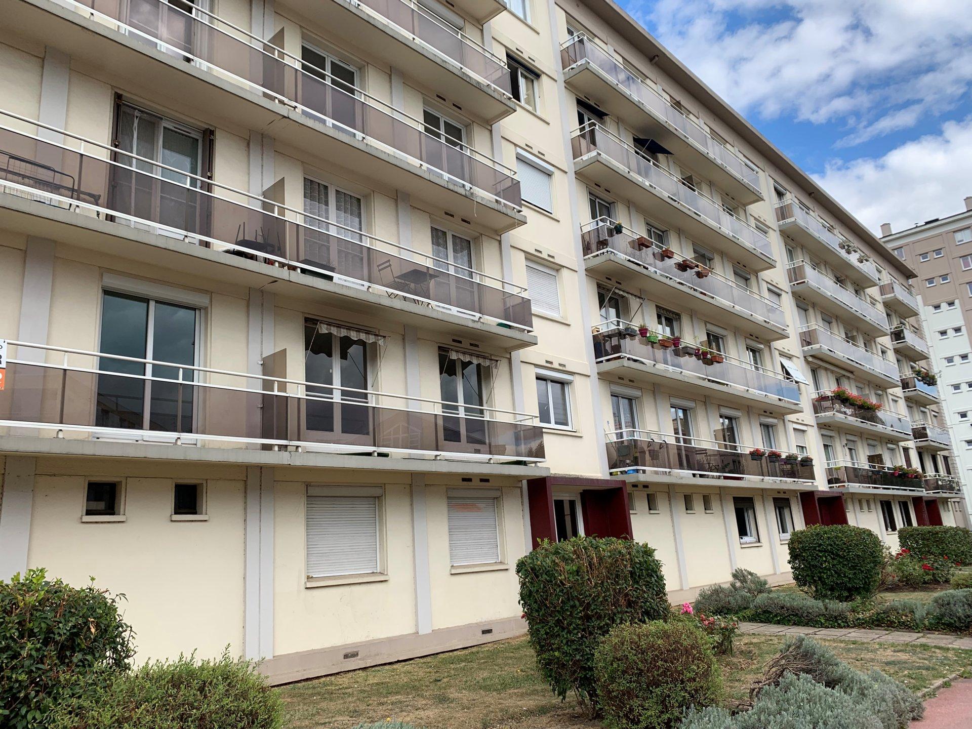 T3 avec balcon et place de parking