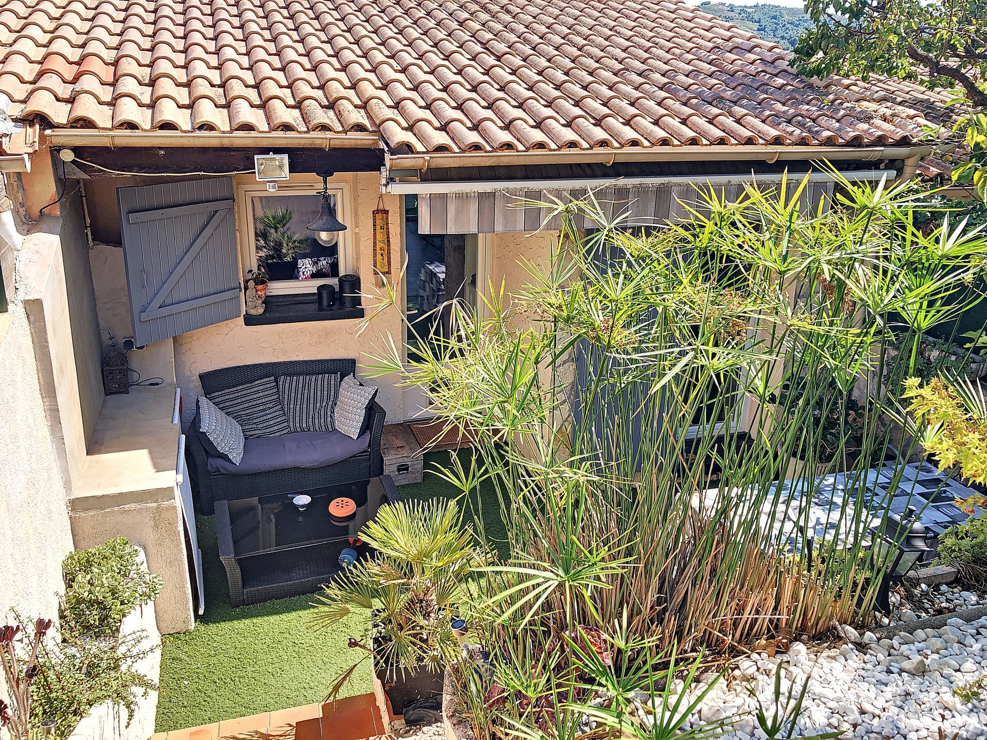 Carros (06510) - maison - terrasse - jardin