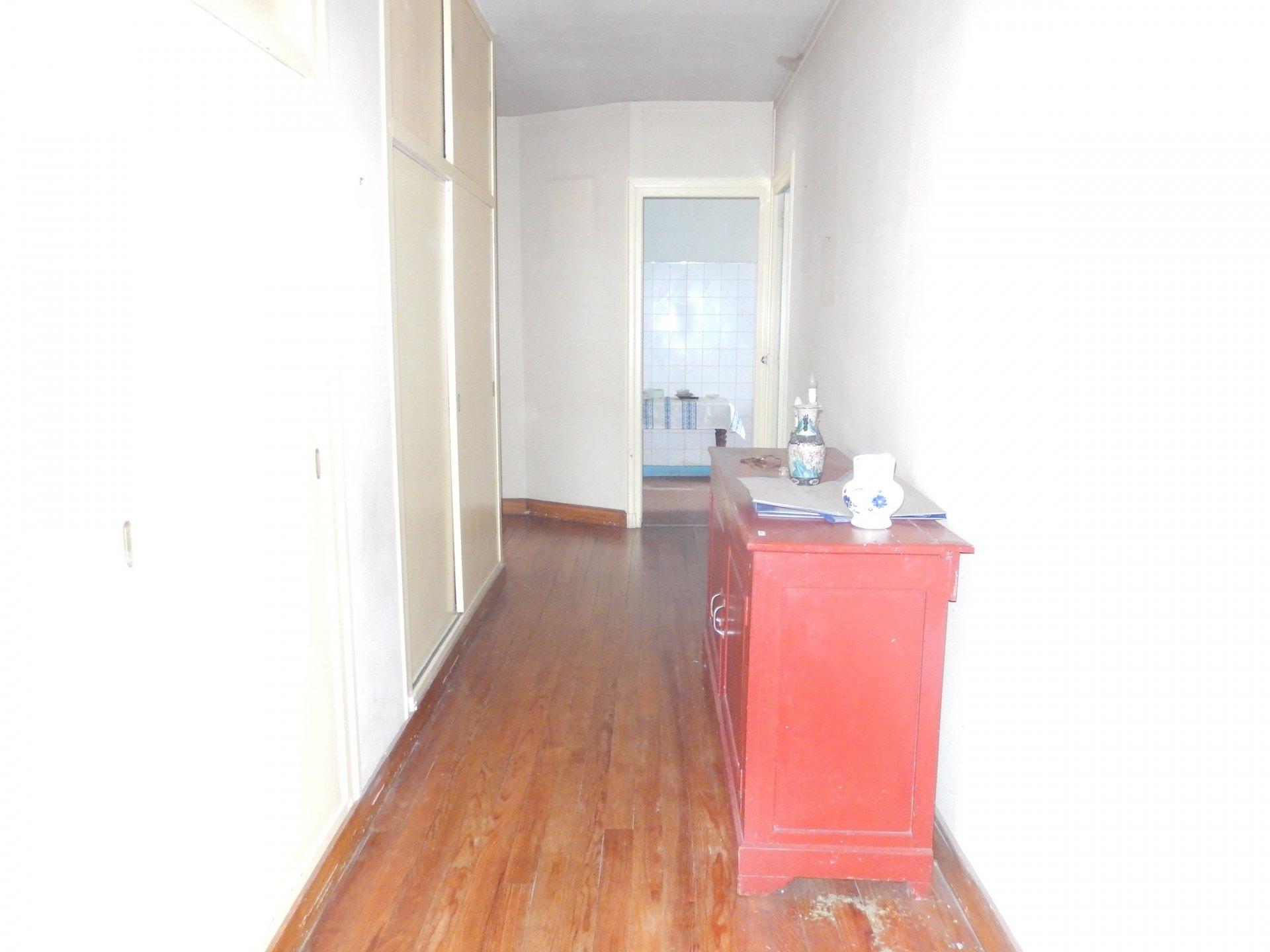 Maison d'environ 330 m2