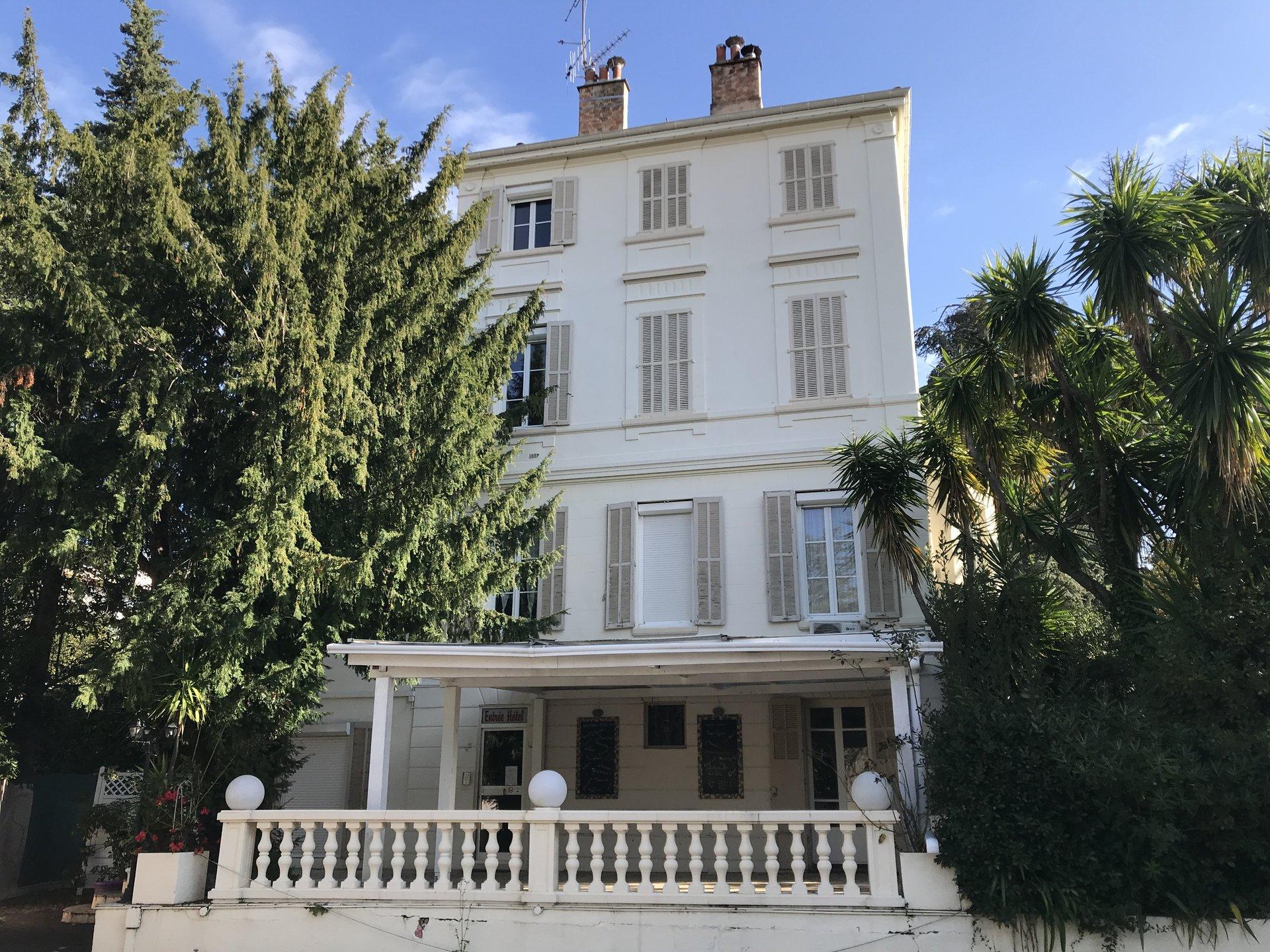 Mansion 305 m²