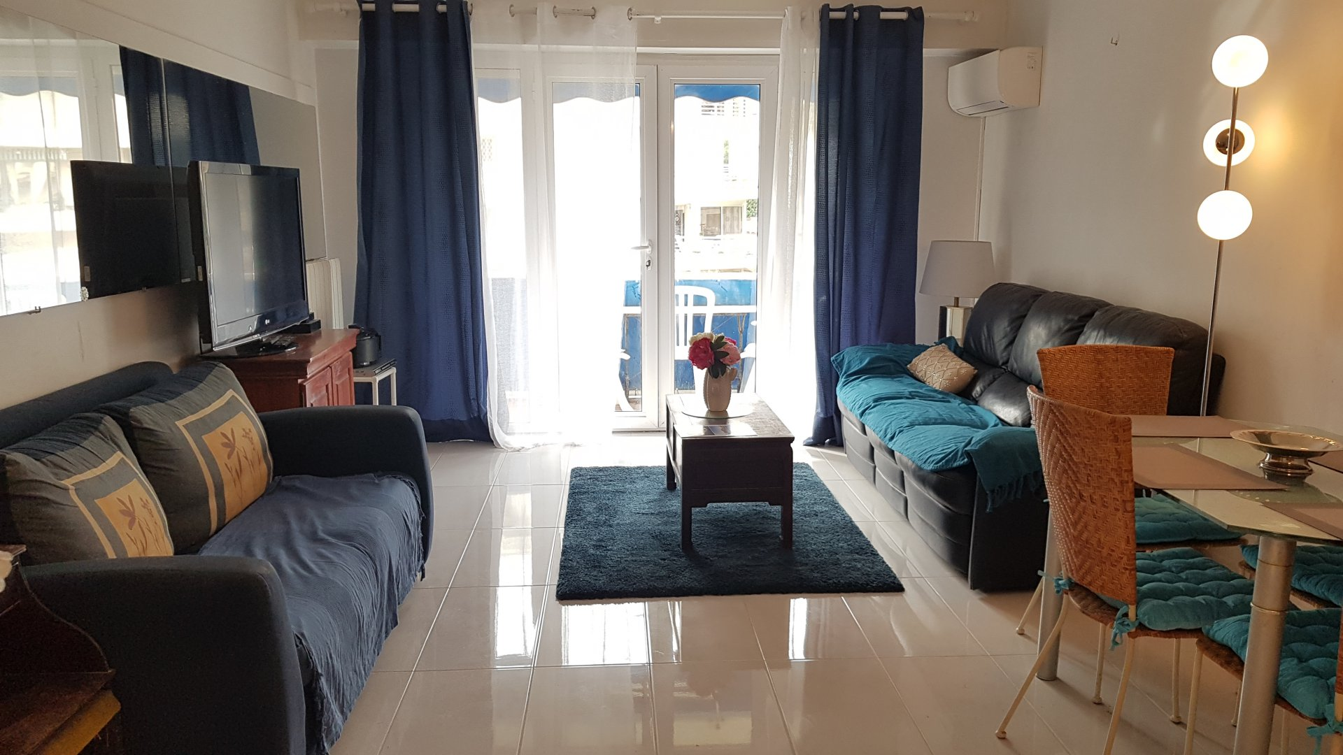 rental 2 bedroom for  holidays and congress Palm beach Cannes