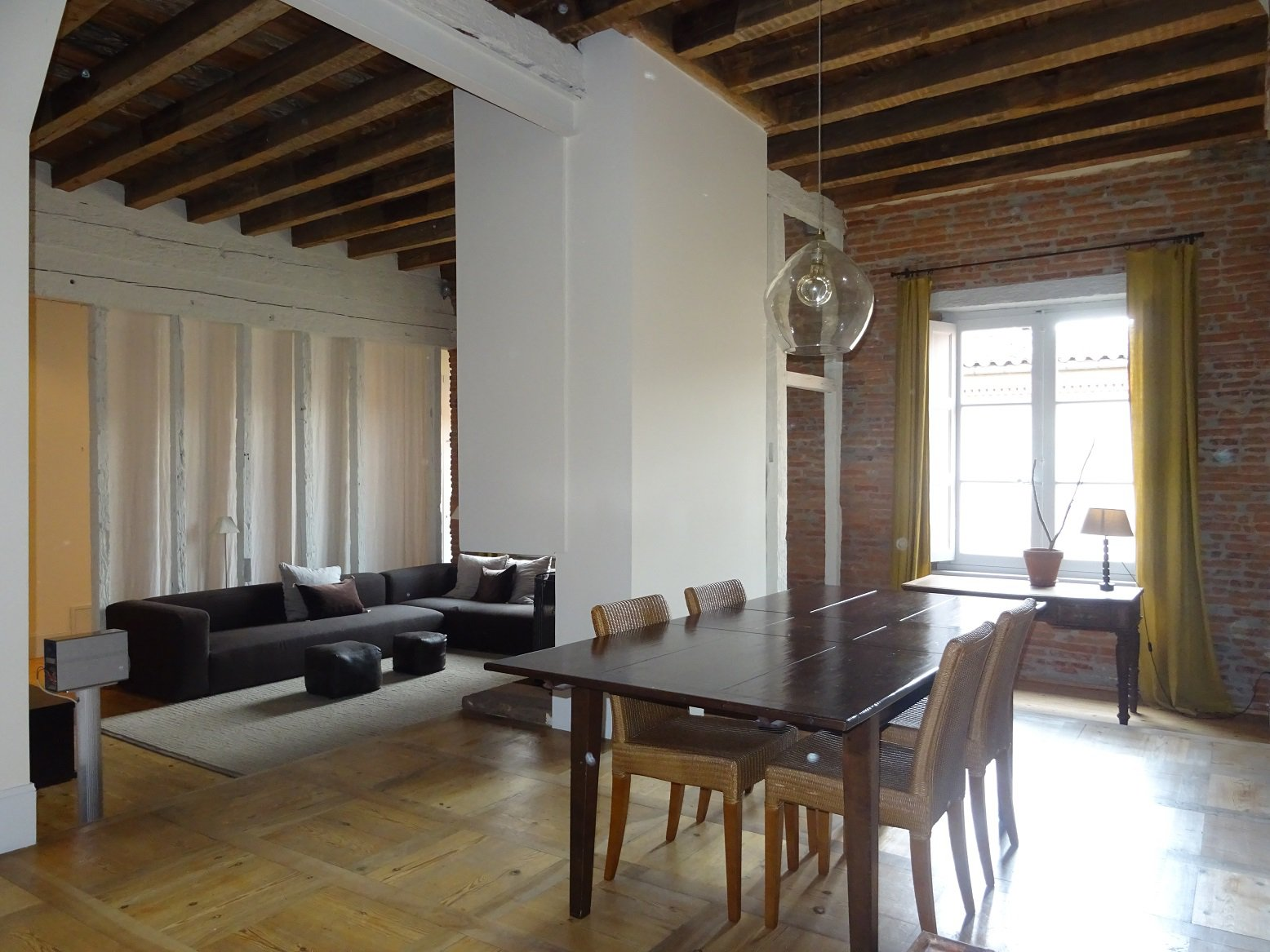 Saint-Etienne, très bel appartement de 311 m² avec parking.