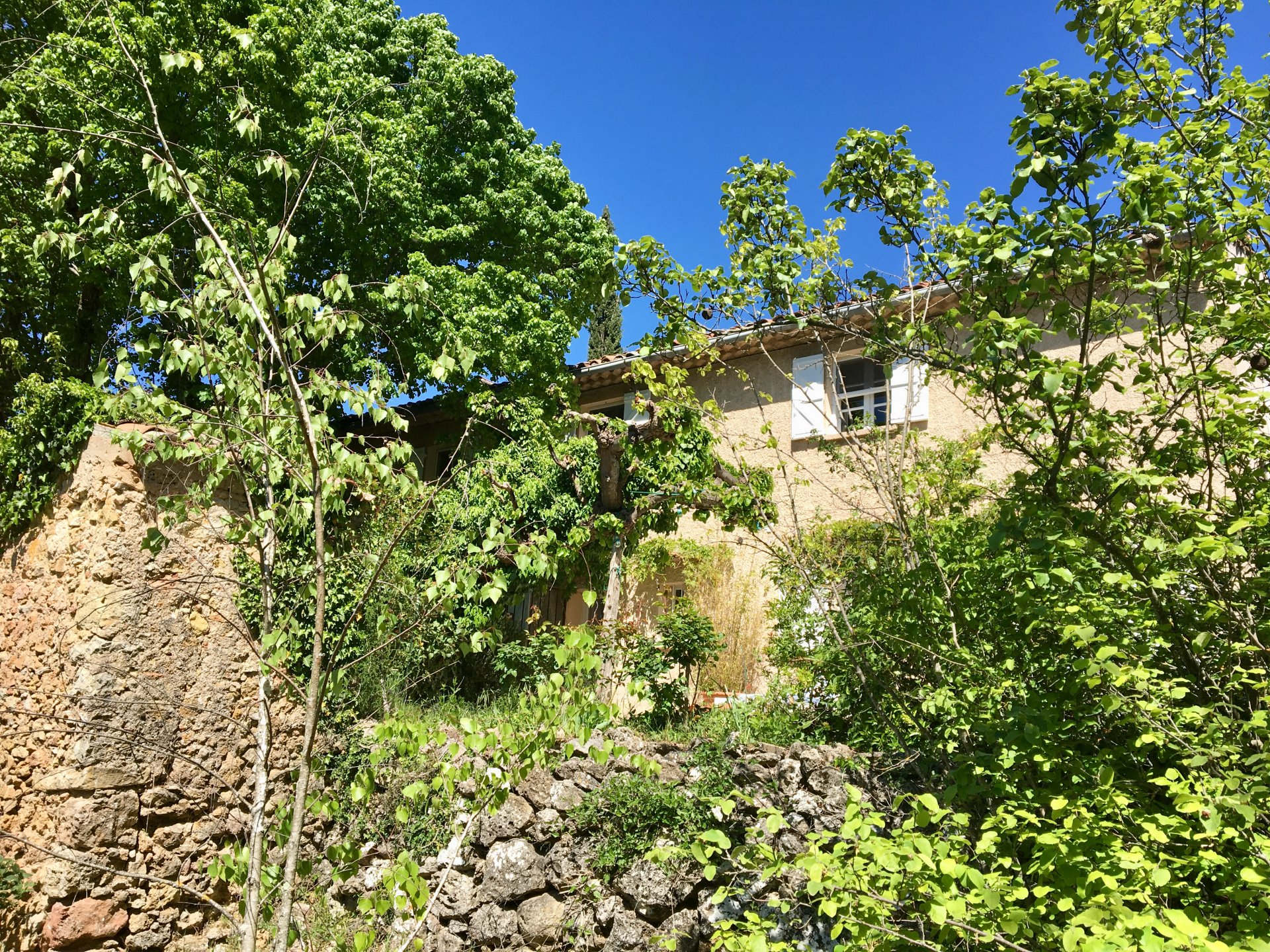 Rare: Old bastide walking distance from the village !