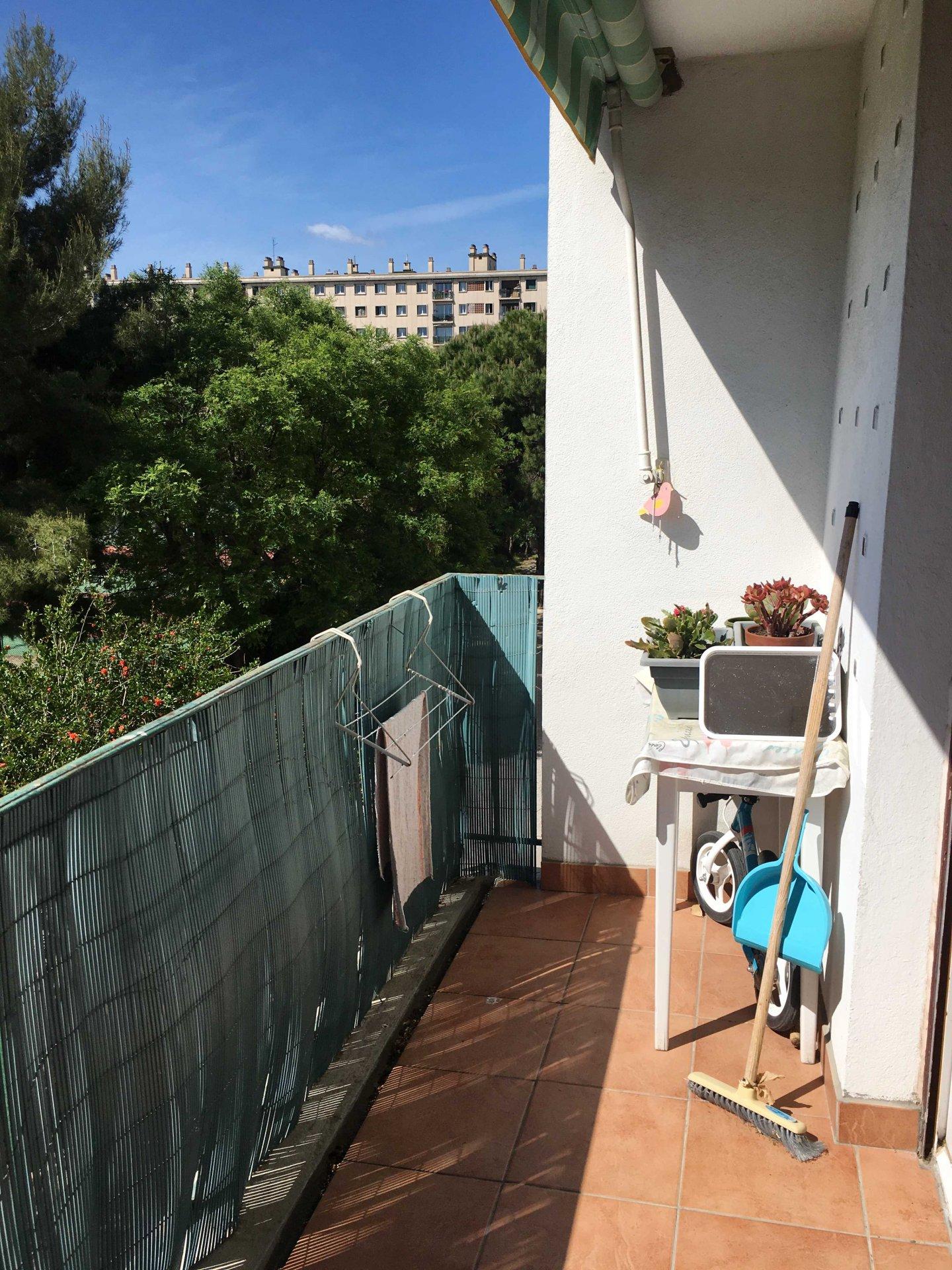 VENDU PAR NOTRE AGENCE Beau T3/4 de 69m2 Traversant lumineux au calme absolu au 2ème étage avec balconquartier Saint Giniez 13008 Marseille