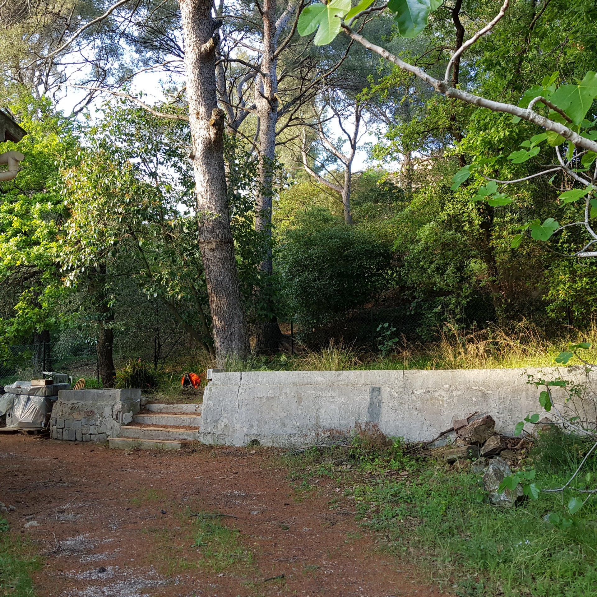 villa de plain-pied six fours 1000 m² terrain