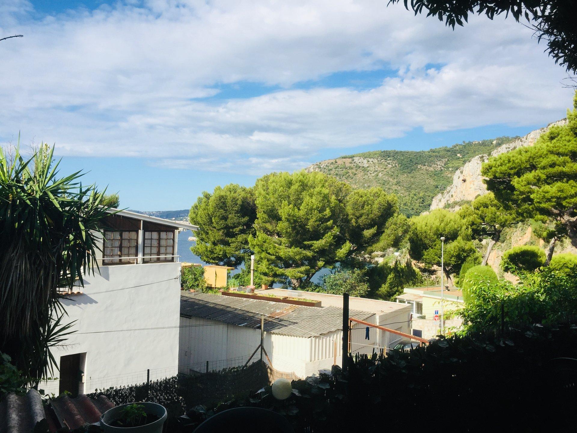 Cap d'Ail, la Mala, propriété atypique avec 2 maisons sur un terrain plat