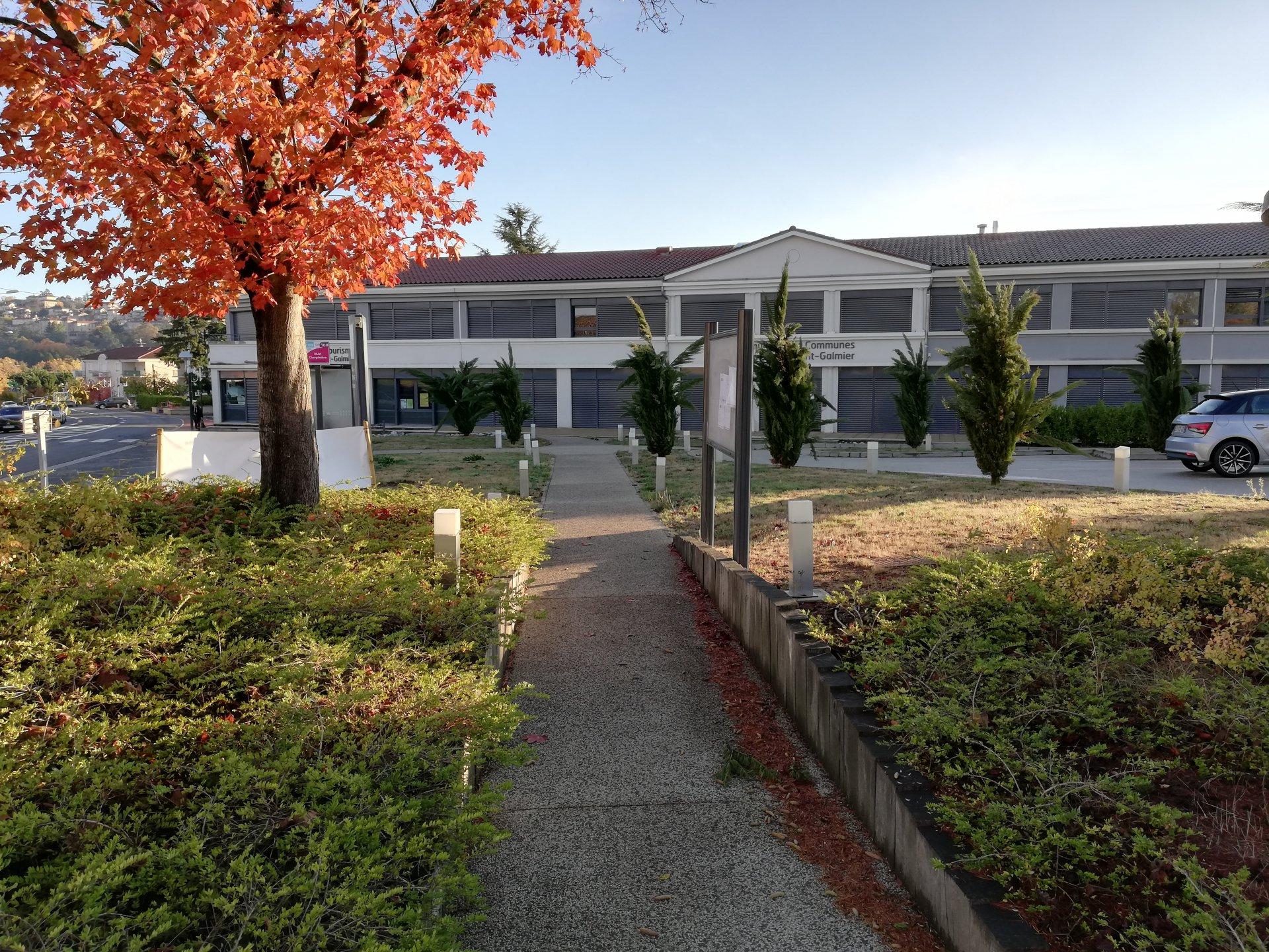 LOCATION BUREAU 36 m² SAINT GALMIER