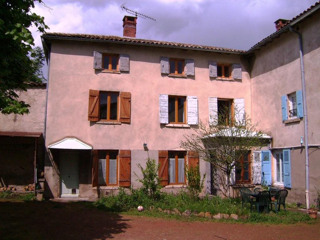 Maison de village rénovée à neuf au coeur du village