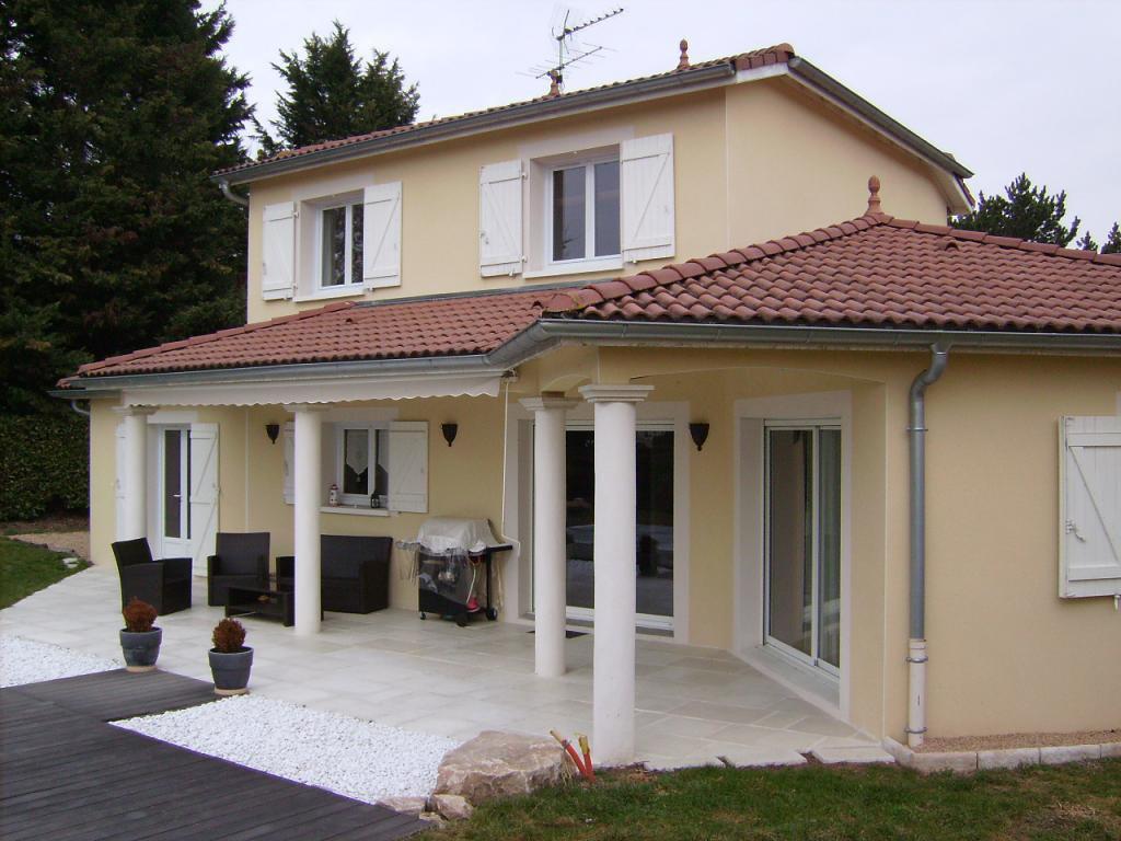 Prestations de qualité, villa de 137m², 4 ch, terrain clos 944m²