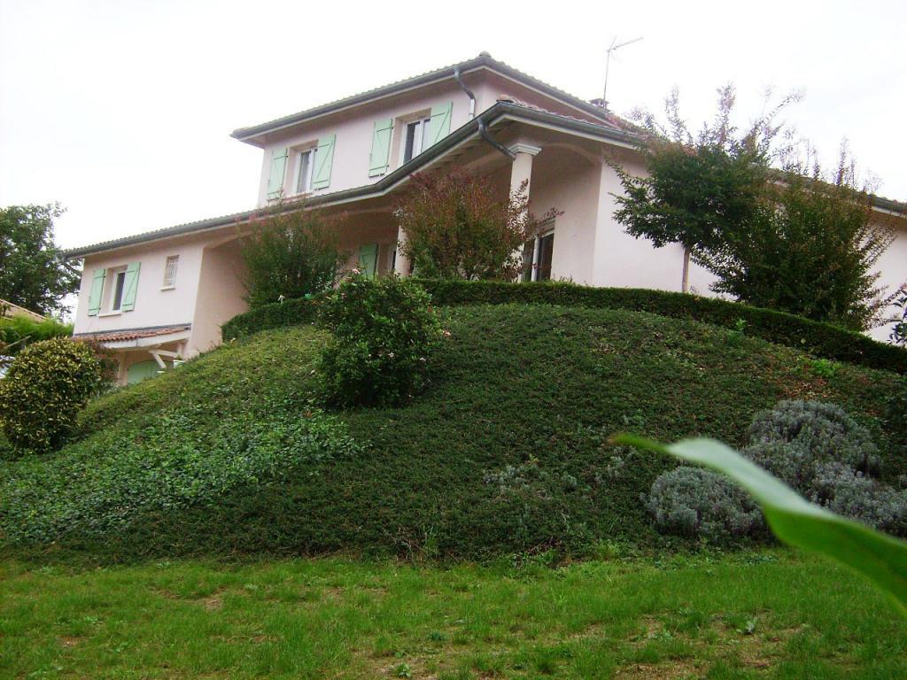 Villa d'architecte de 174m², 5 ch, piscine, vue panoramique