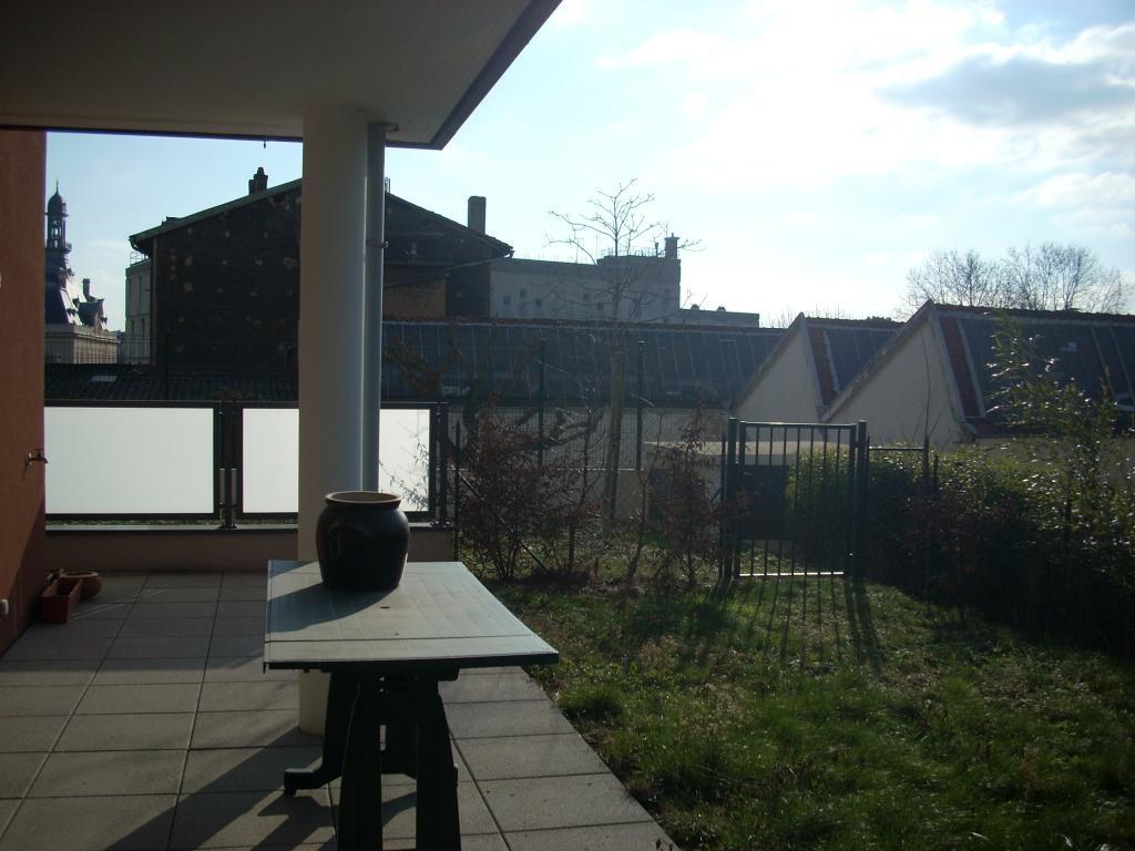 T2 en rez de jardin, terrasse, jardin et box