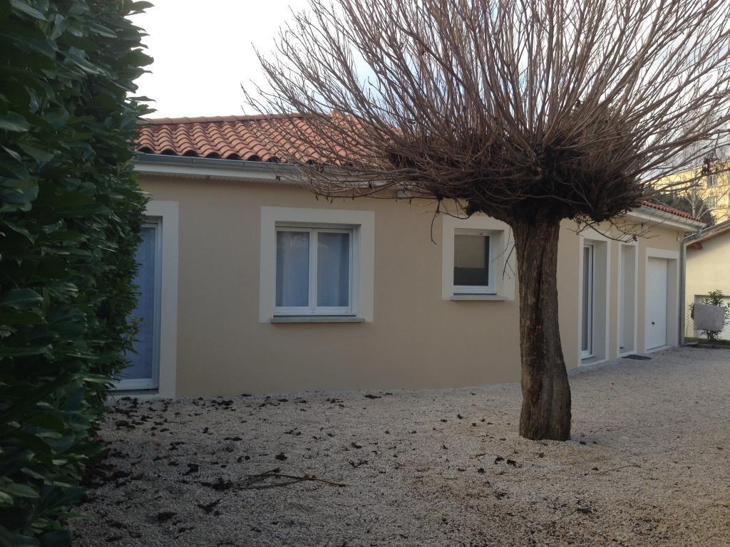 Plain pied de 100m², 3 chambres, garage et terrain de 400m²