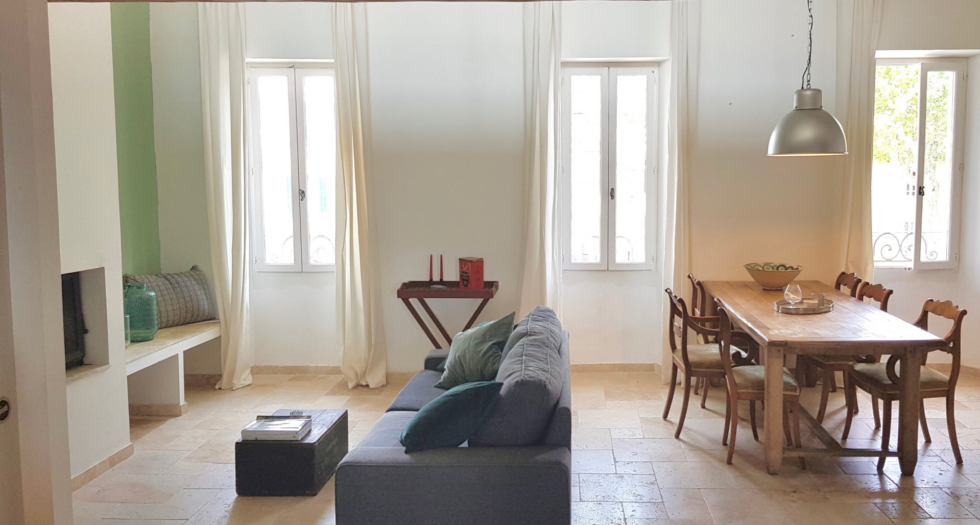 Renovated duplex apartment in Lorgues Center.