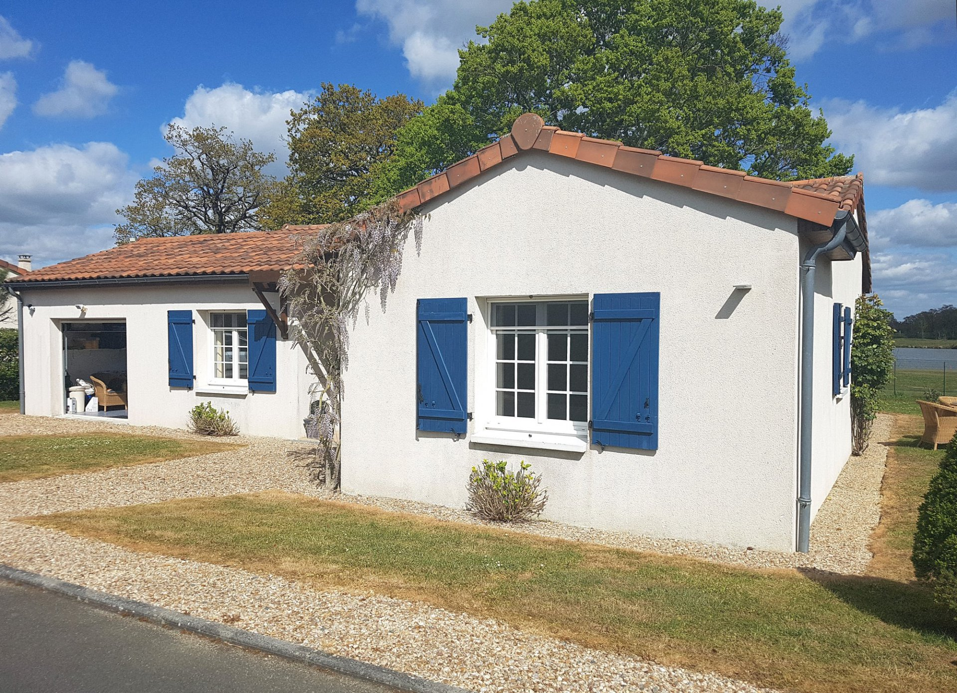 Deux-Sevres 79, golf Les Forges: house with garage and view