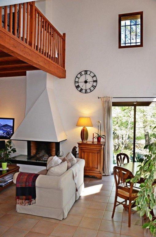 Très jolie villa  6 pièces au calme sur 3150m2 de terrain