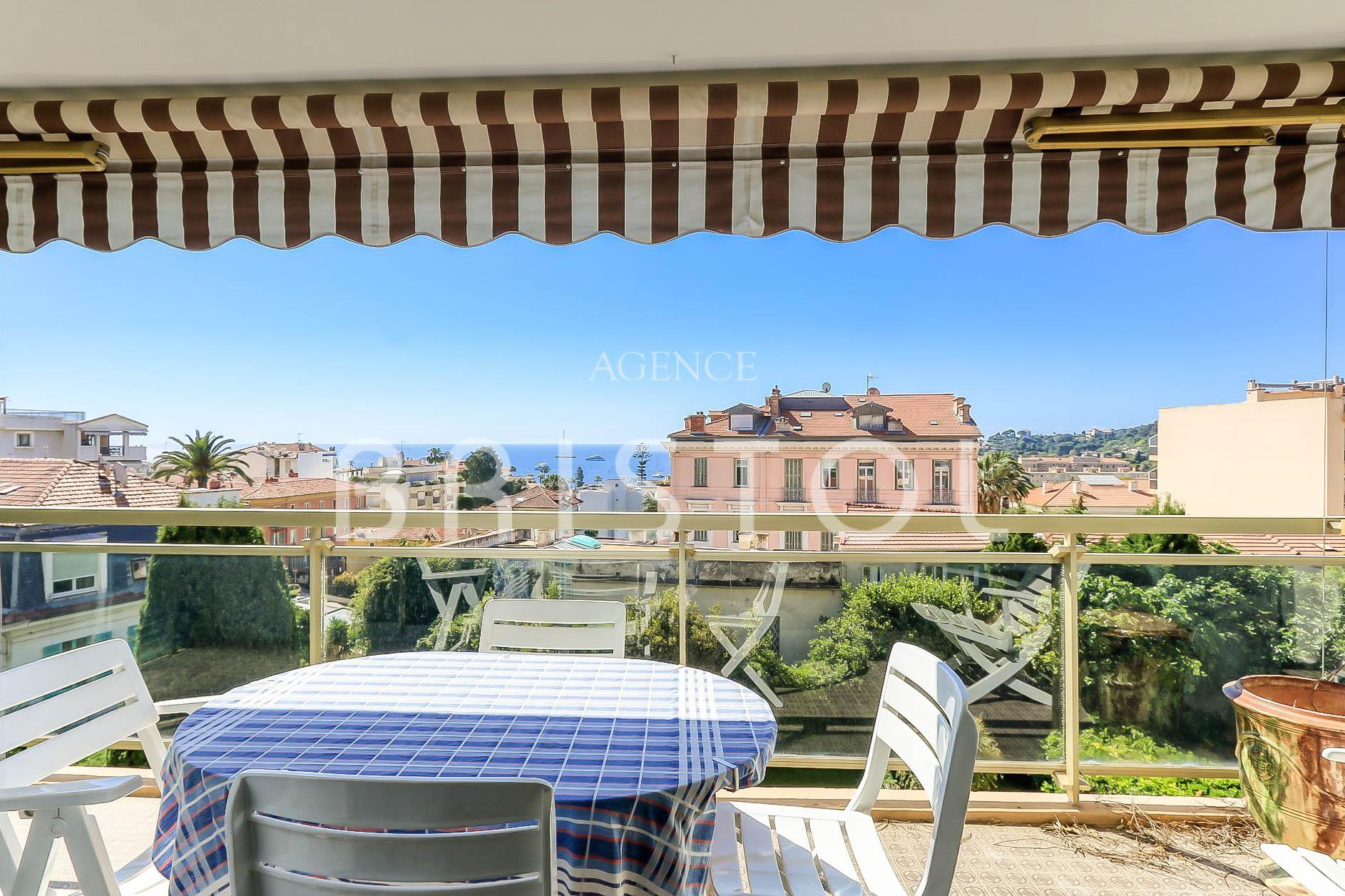 Beaulieu sur Mer , downtown, apartment for sale with terrace and sea view