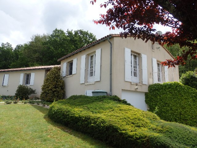 Villa with Guest Annexe and Pool in Civray - Vienne