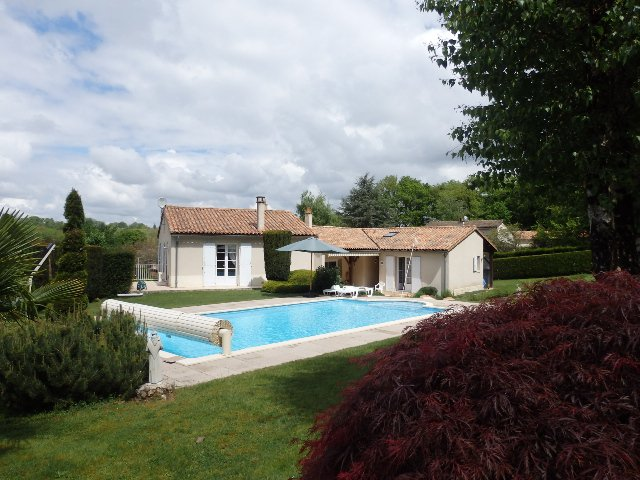Villa with Guest Annexe and Pool - Vienne - Nouvelle Aquitaine