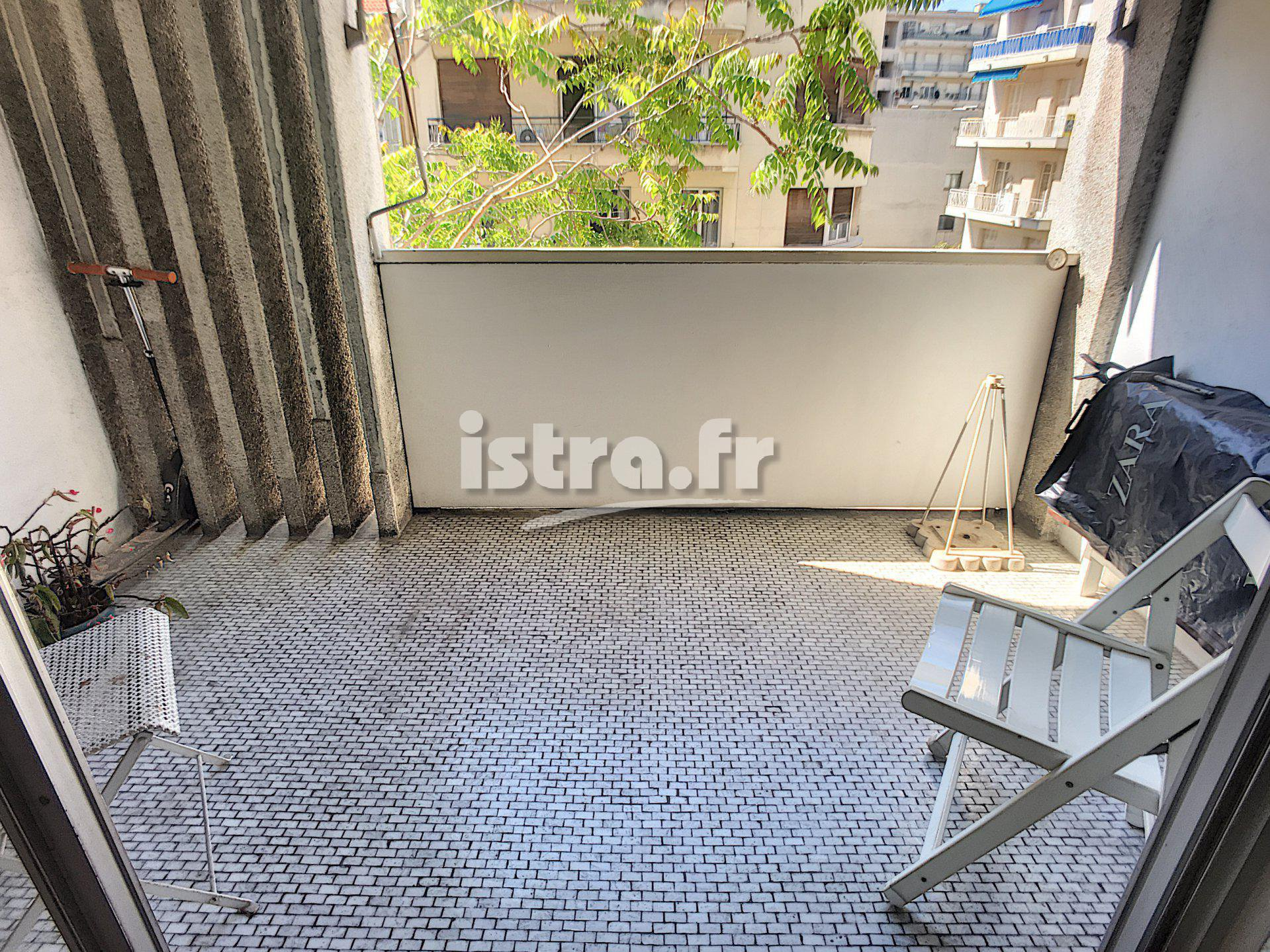 Nice Fleurs, near the center : 2 bedroom apartment
