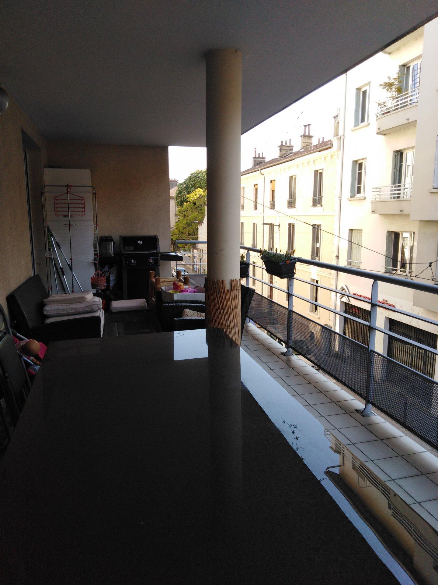 T4  avec terrasse  -  GRENOBLE Abbé-Grégoire