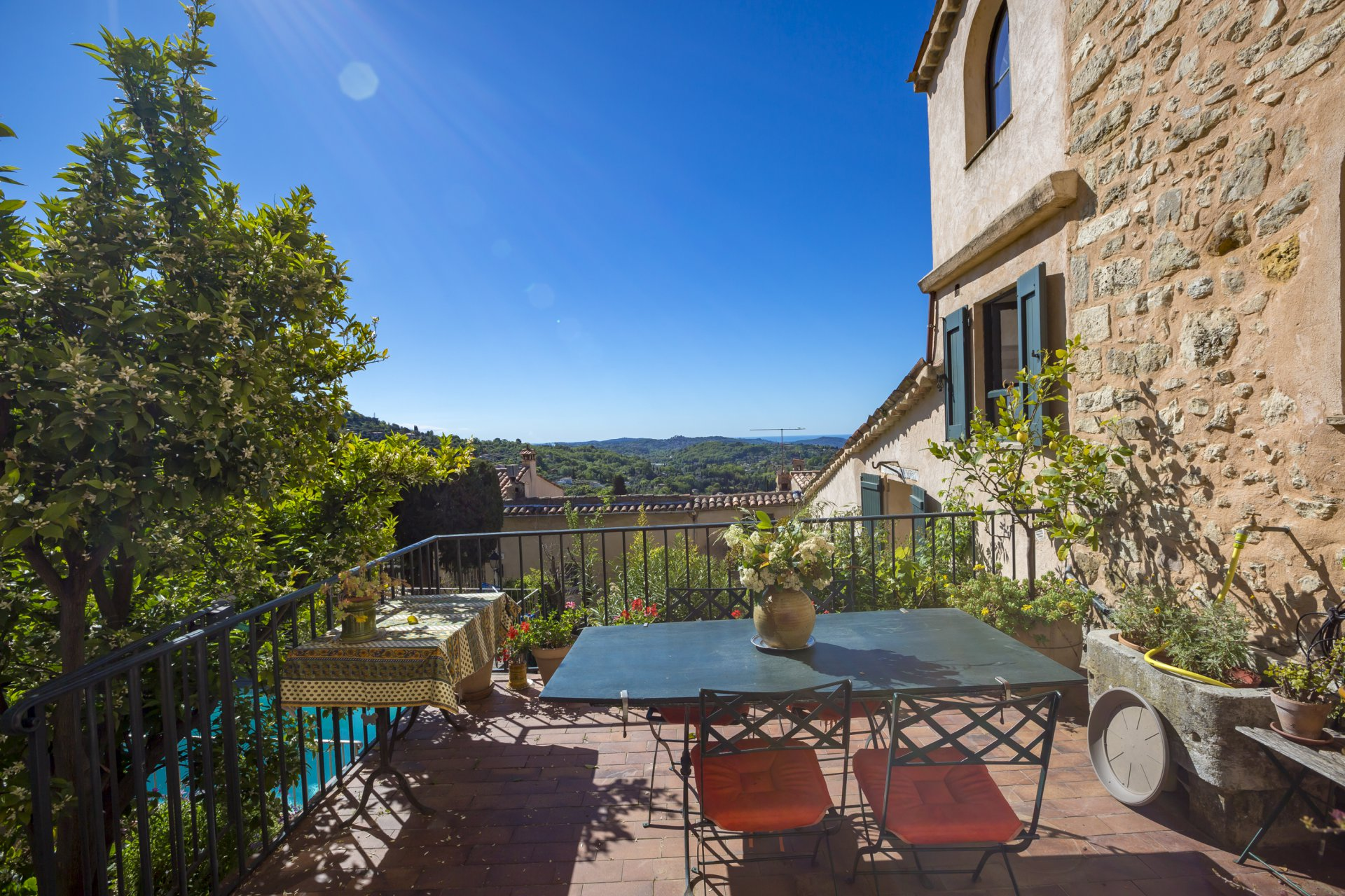 Magagnosc La Lauve: charming village house with garden and swiming pool