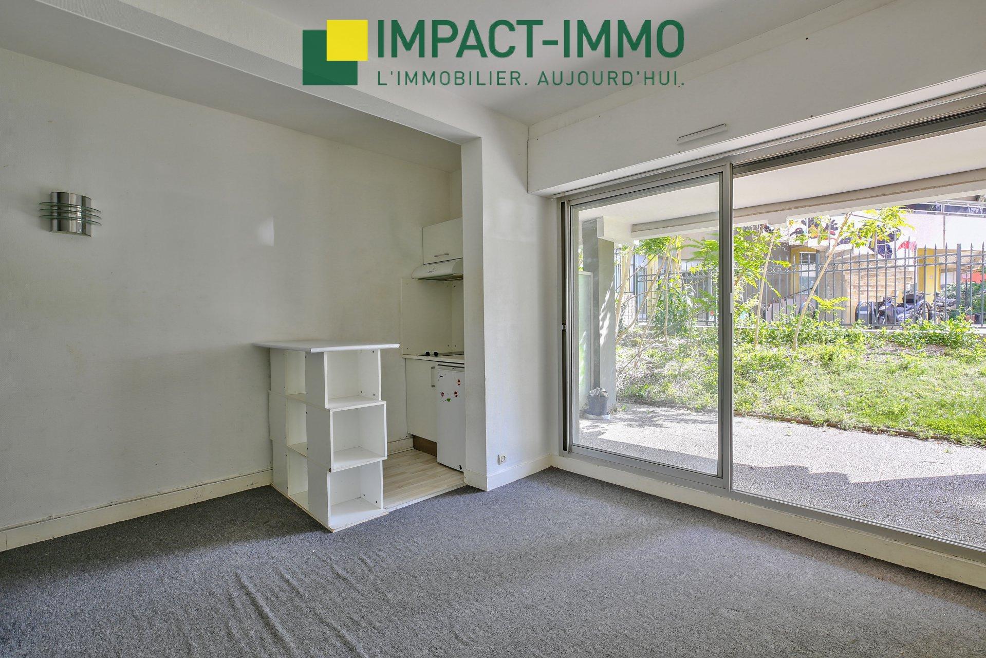 Exclusivité - Studio en rez-de-jardin - secteur Mairie