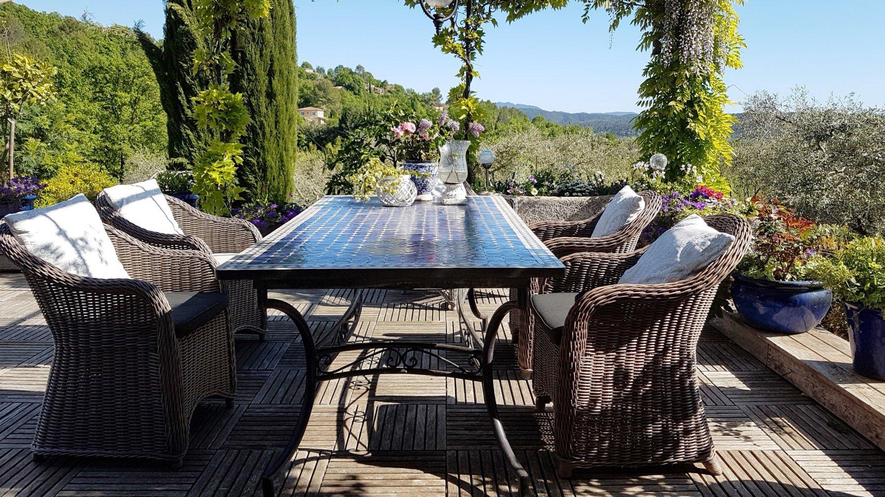 Callian: villa de plain pied avec piscine, belle vue