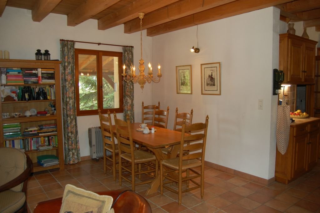 DORDOGNE - nice house with garage and pool on 1HA