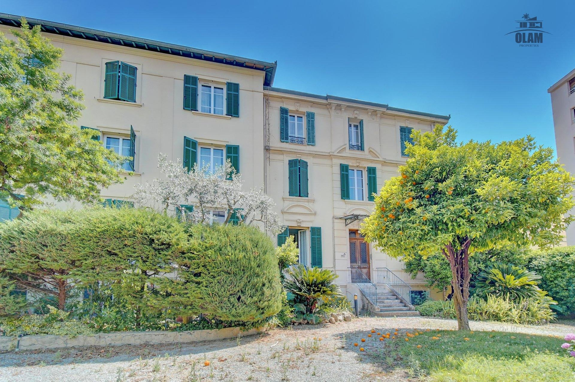 Superb 2-br in a bourgeois-style building - 2mn from Rue d'Antibes