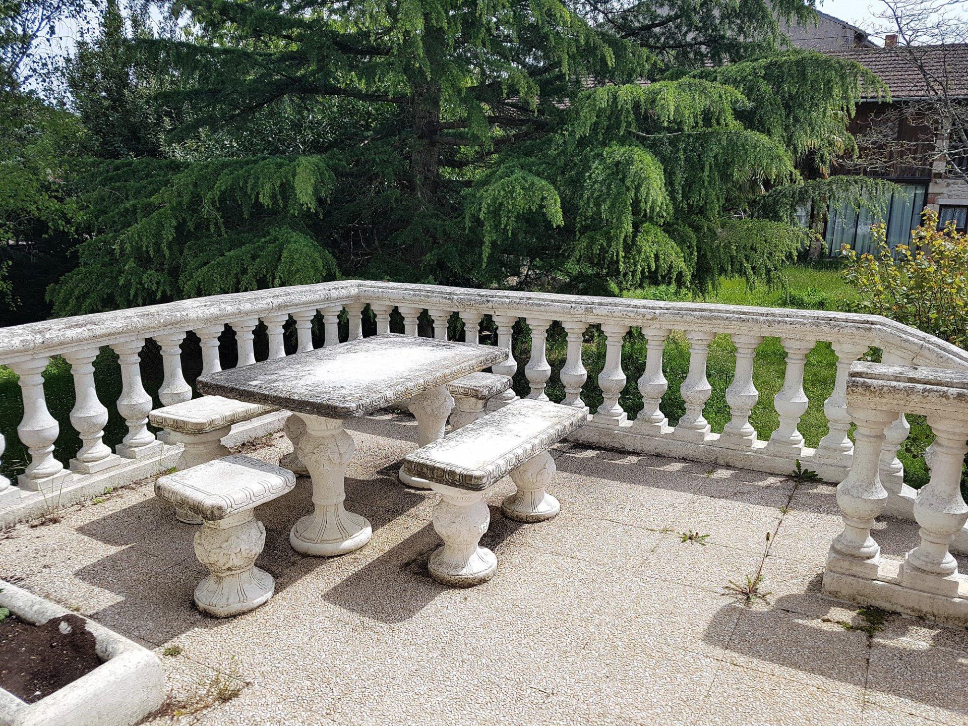 St Savin, Vienne 86: somptueuse villa avec vue sur l'abbaye