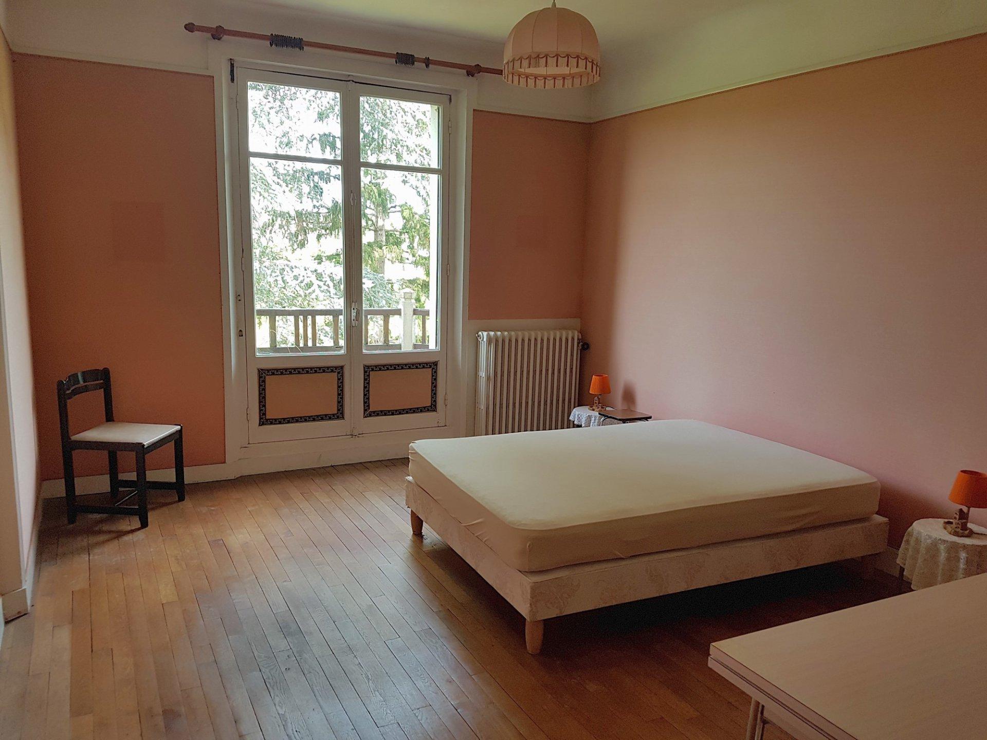 Weelderige villa met uitzicht te koop in St Savin, Vienne 86