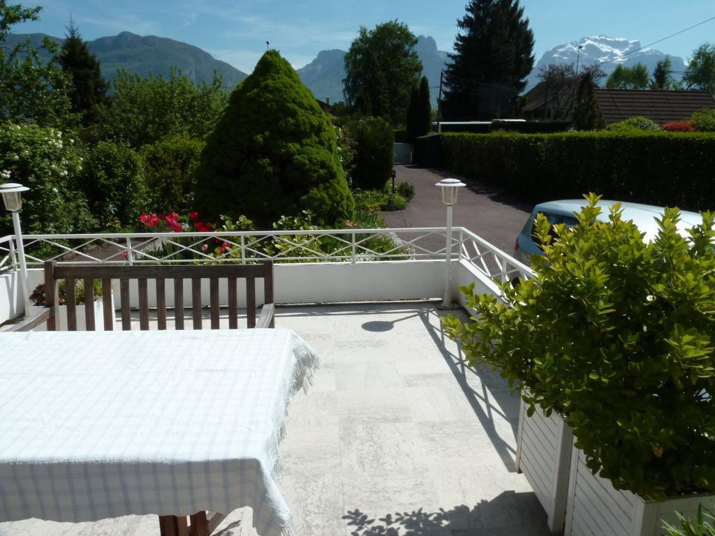 2424 - Sevrier, Villa avec piscine sur 1450m² de terrain