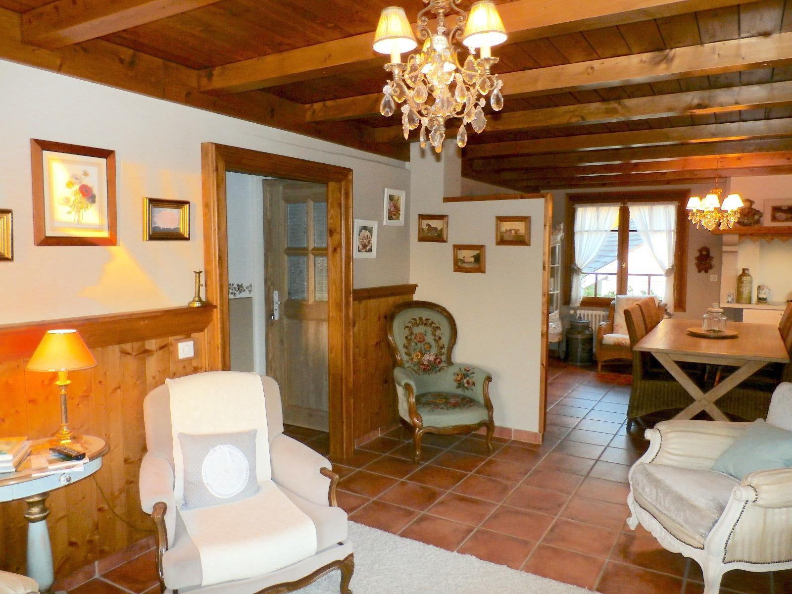 V491- Annecy sud , maison de caractère