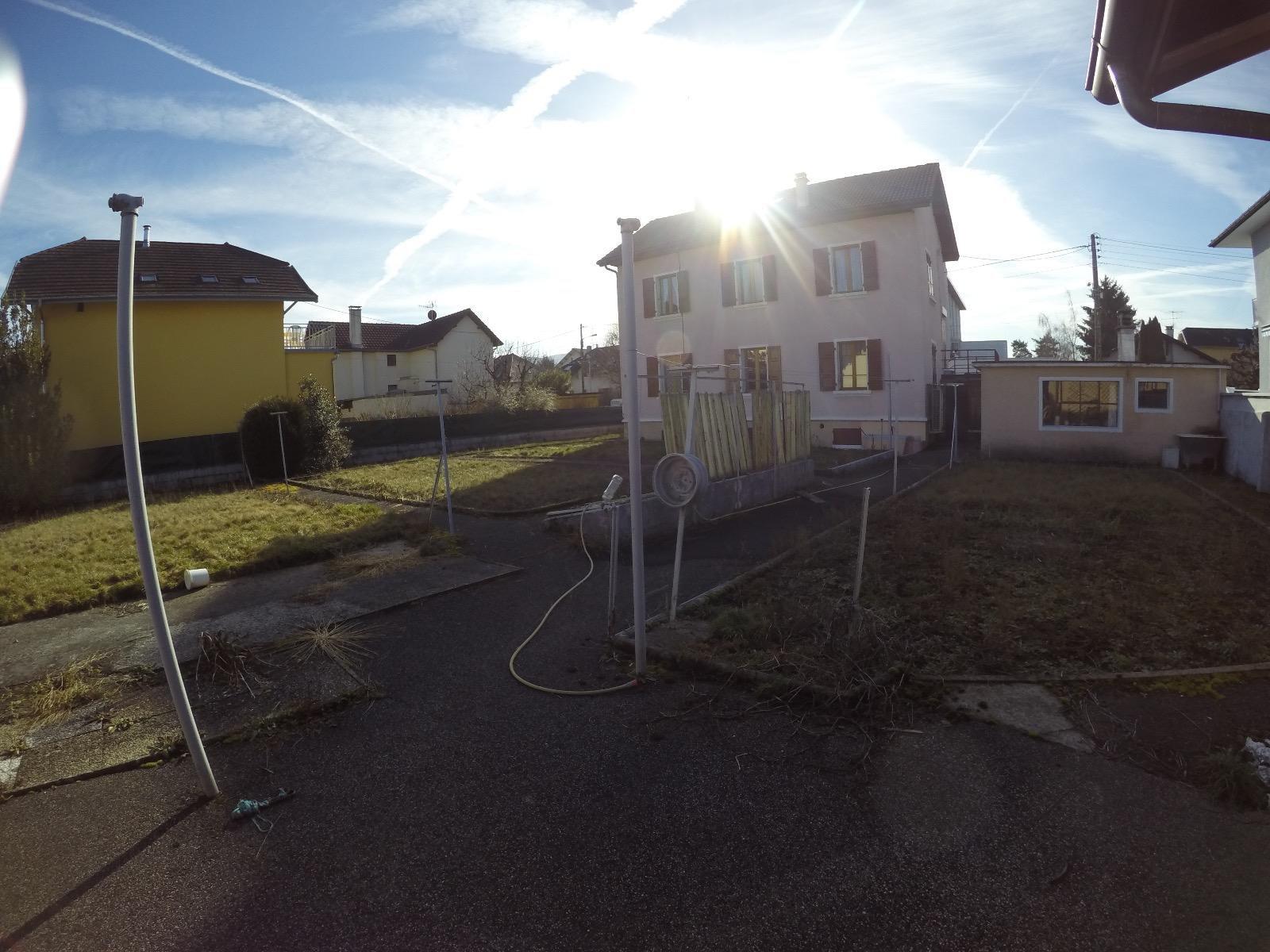 V509 - Maison sur 980m² de terrain environ