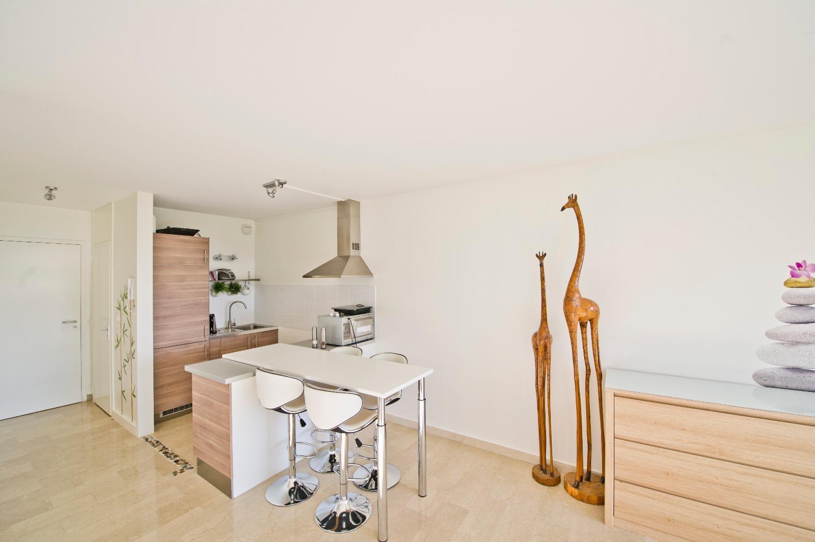 2570 - Veyrier-du-lac, très bel appartement