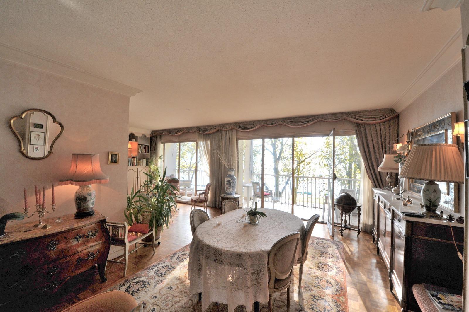 2471 - Bel appartement idéalement placé