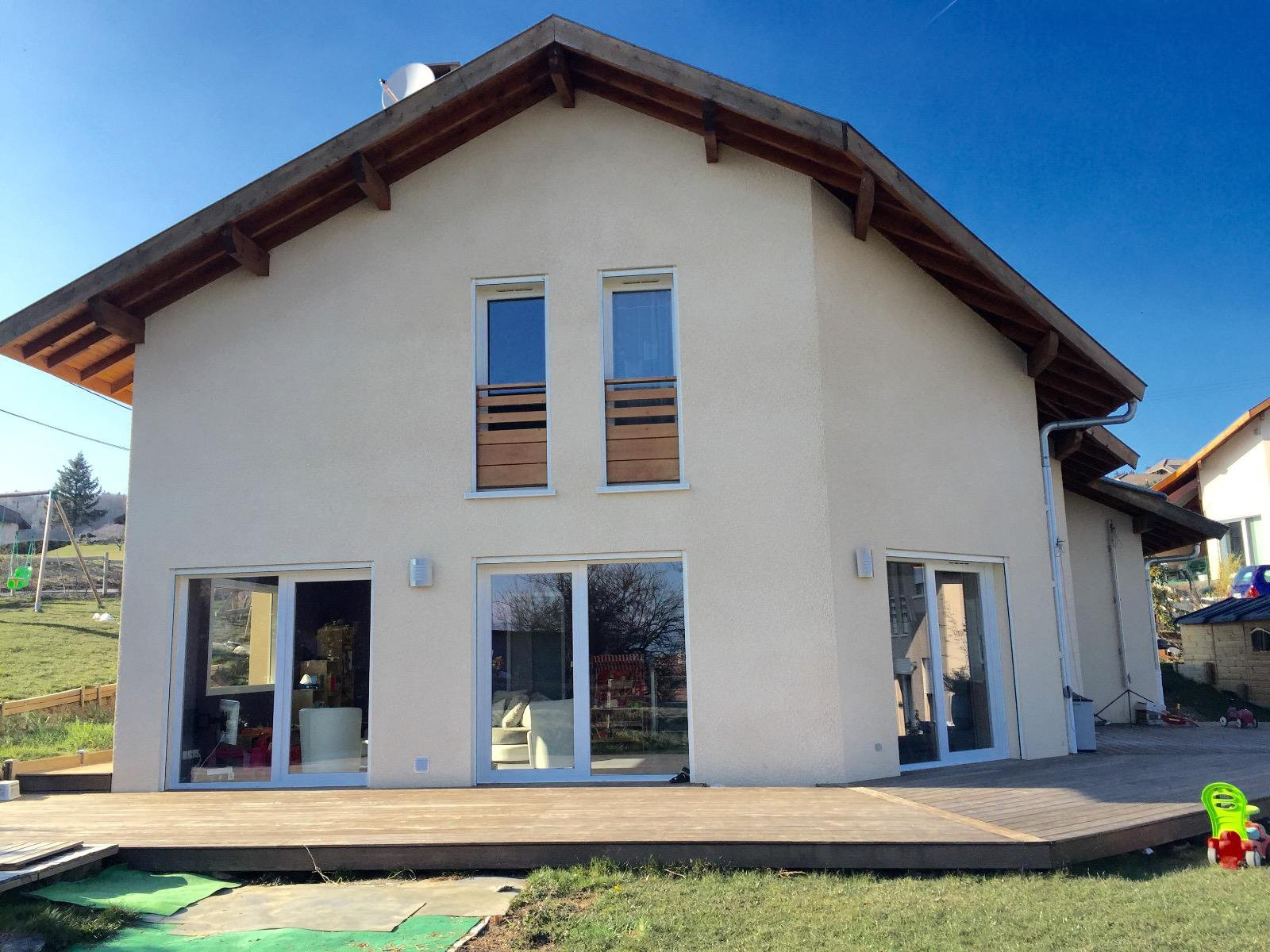 V535- Maison neuve Ferrières