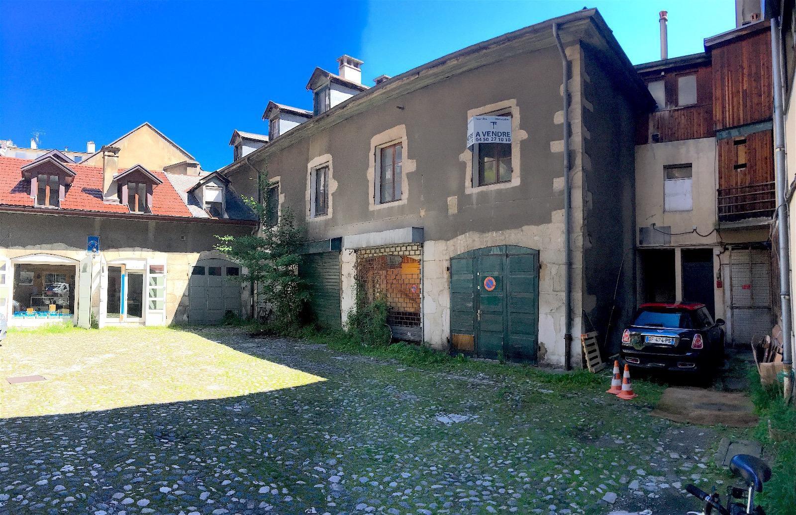 R540- Annecy, Rue Royale, bâtiment de caractère à réhabiliter